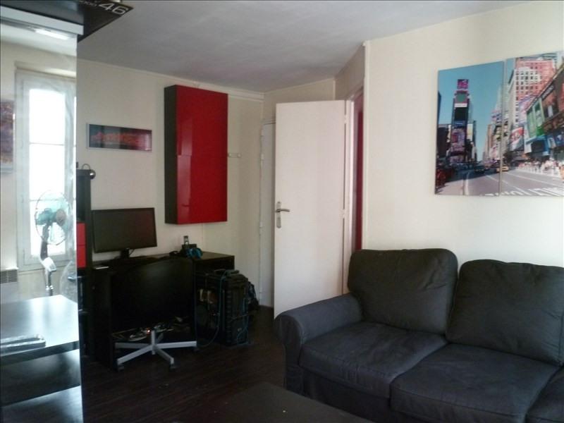 Locação apartamento Paris 18ème 750€ CC - Fotografia 3