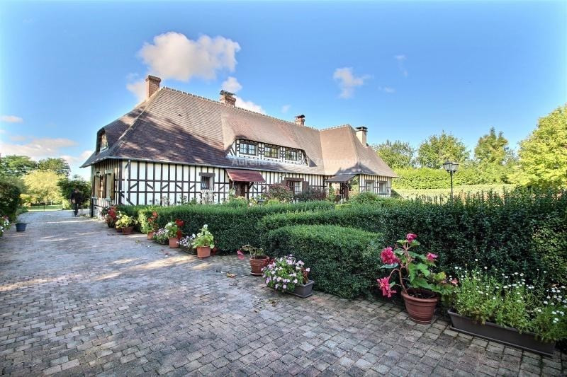 Deluxe sale house / villa Deauville 598000€ - Picture 1