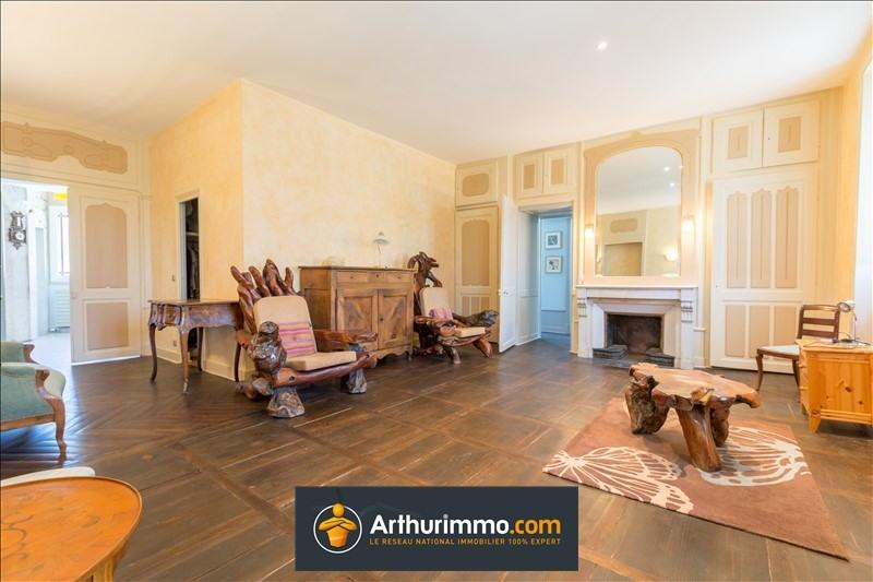 Deluxe sale house / villa Belley 684000€ - Picture 7