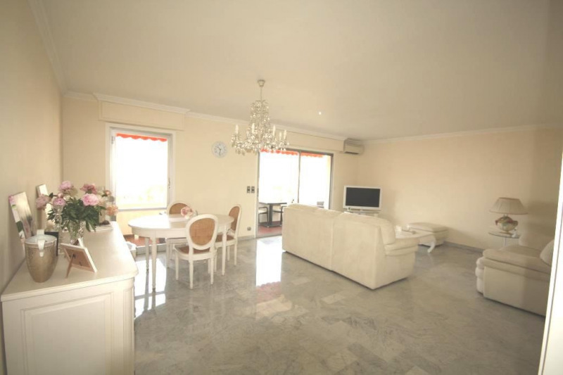 Sale apartment Juan-les-pins 795 000€ - Picture 3