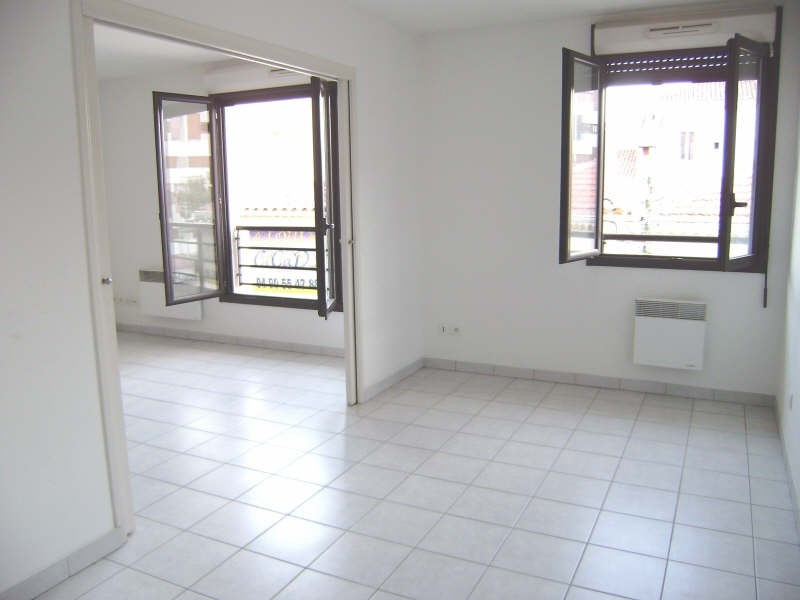 Sale apartment Salon de provence 157 000€ - Picture 3