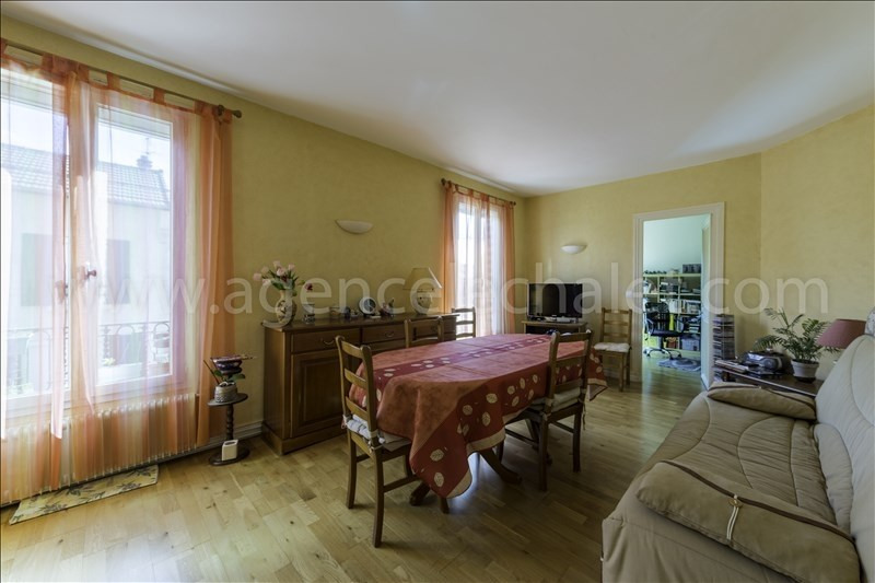 Sale apartment Villeneuve le roi 148 000€ - Picture 1