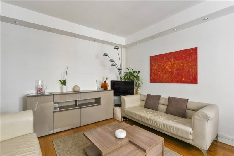 Rental apartment Paris 17ème 2250€ CC - Picture 2