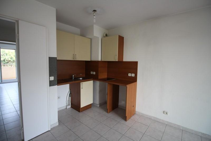 Affitto appartamento St laurent du var 830€ CC - Fotografia 4