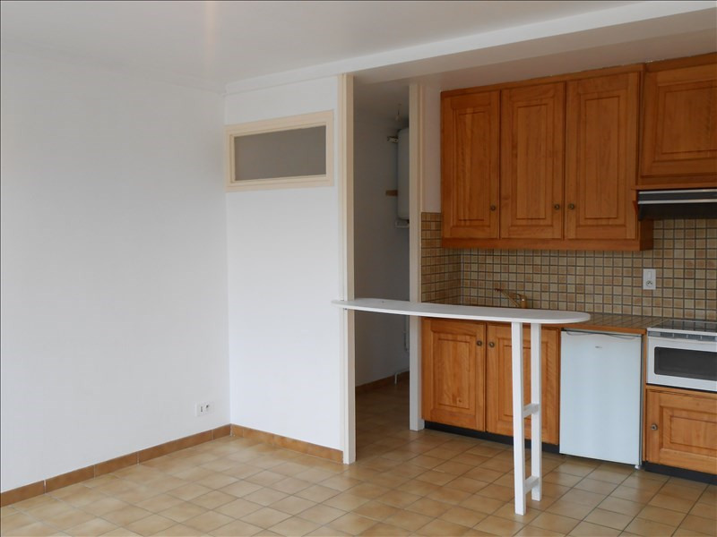 Location appartement St quentin 416€ CC - Photo 2