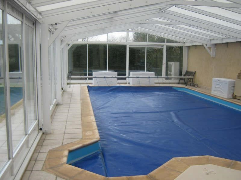 Deluxe sale house / villa Plailly 599000€ - Picture 2