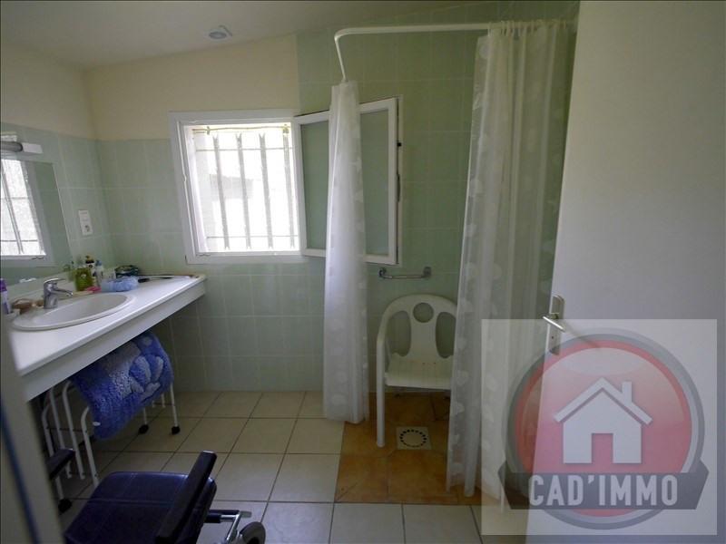 Sale house / villa St pierre d eyraud 134000€ - Picture 4