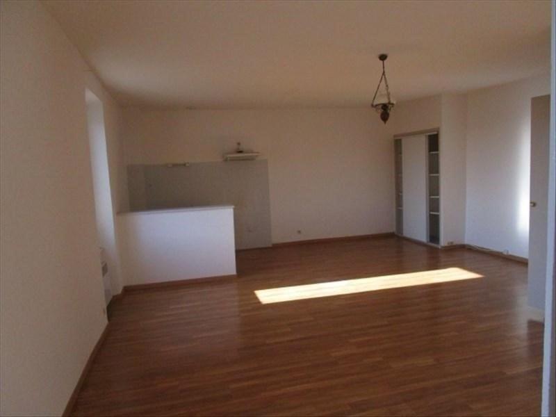 Rental apartment Carcassonne 383€ CC - Picture 1
