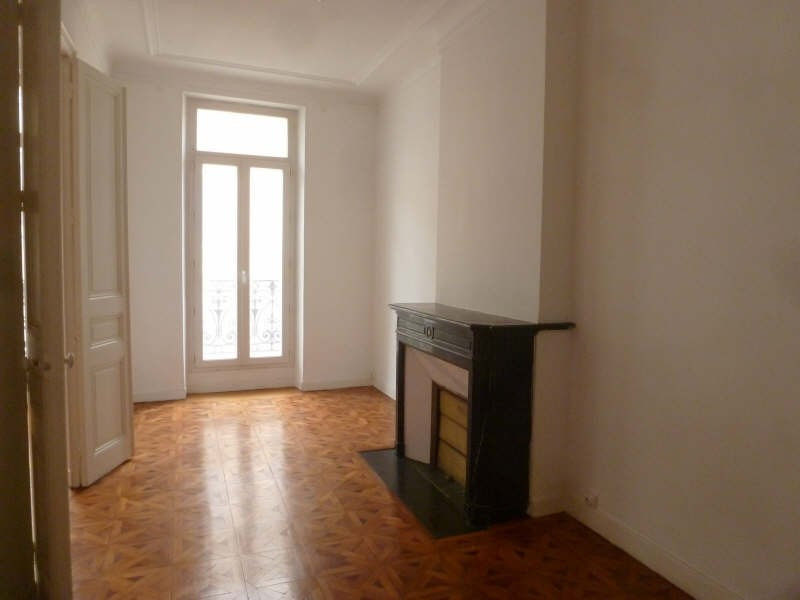 Rental apartment Marseille 1er 880€ CC - Picture 4