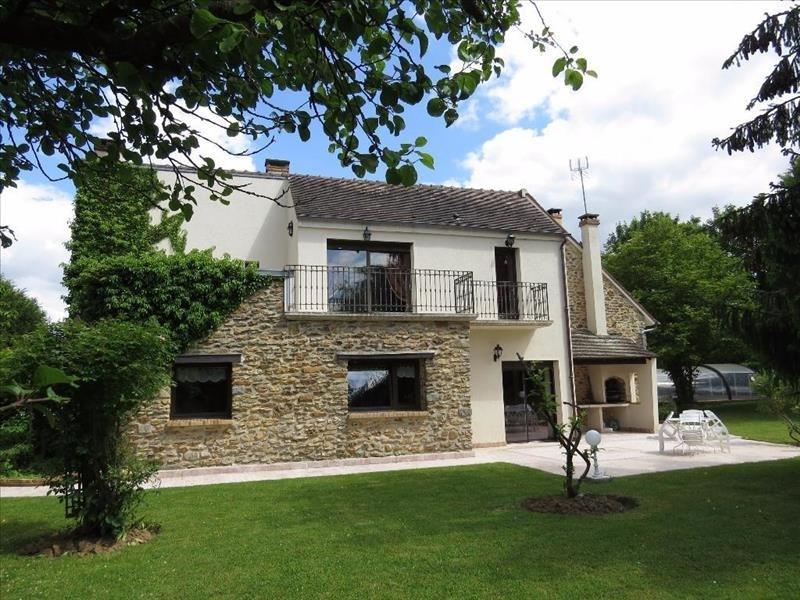 Sale house / villa Guignes 650000€ - Picture 1