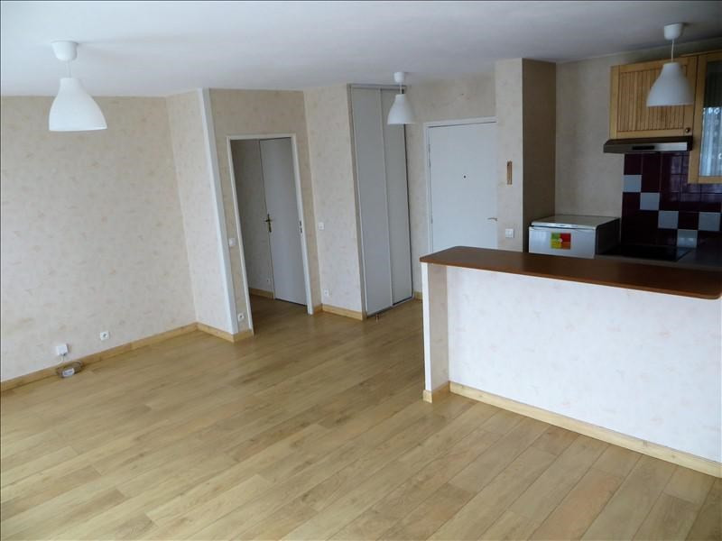 Rental apartment Clamart 901€ CC - Picture 4