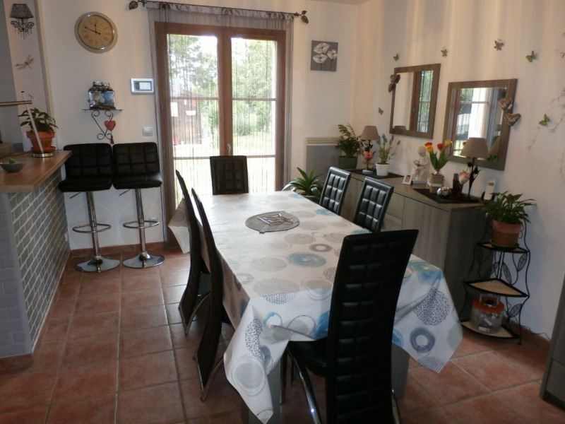 Sale house / villa Saint-clair-sur-epte 190 000€ - Picture 3