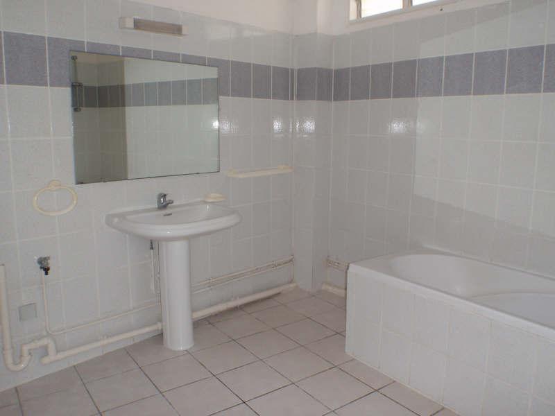 Rental apartment St gilles les bains 774€ CC - Picture 8