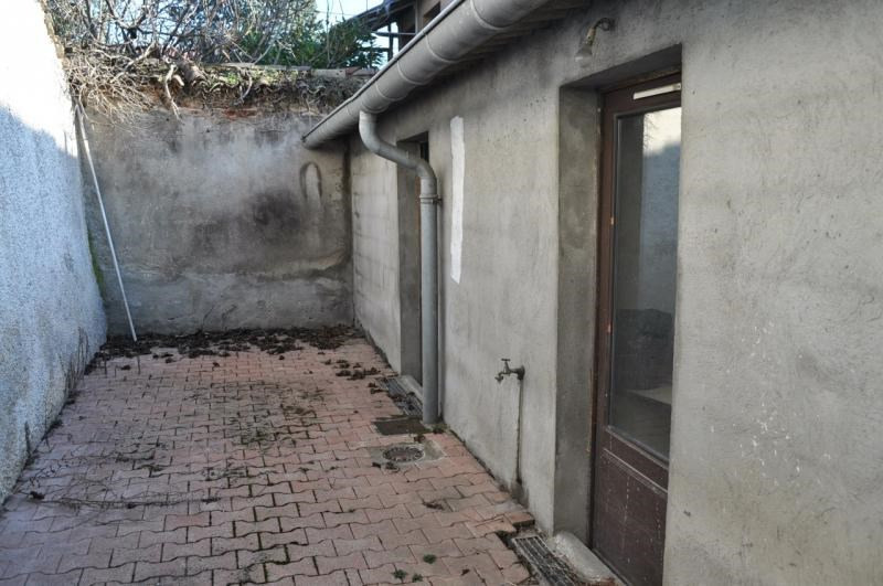 Sale empty room/storage Chaponost 230000€ - Picture 3