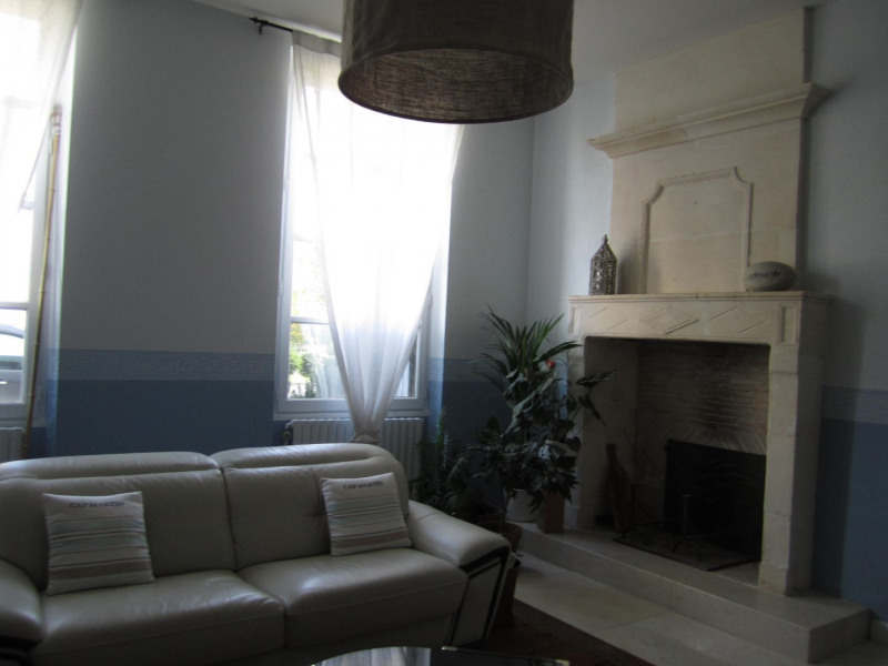 Sale house / villa Barbezieux saint hilaire 250 000€ - Picture 2
