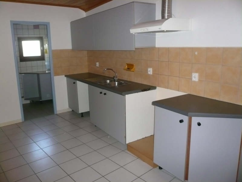 Location appartement Prignac et marcamps 573€ CC - Photo 4