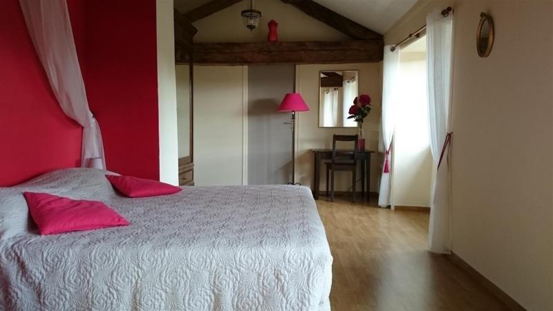 Deluxe sale house / villa Milhac de nontron 615000€ - Picture 7