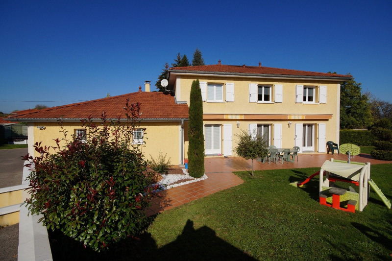 Vente maison / villa La tour du pin 327000€ - Photo 1