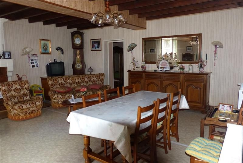 Sale house / villa St jean d angely 158250€ - Picture 4