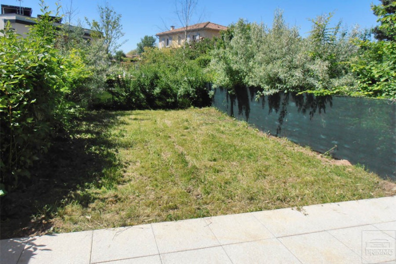 Rental apartment Dommartin 875€ CC - Picture 1