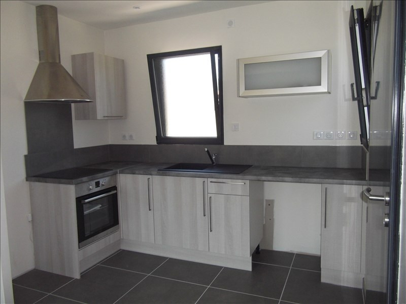 Location appartement Yenne 650€ CC - Photo 2