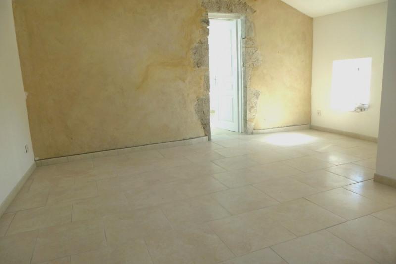 Location appartement Saint-germain 343€ CC - Photo 1