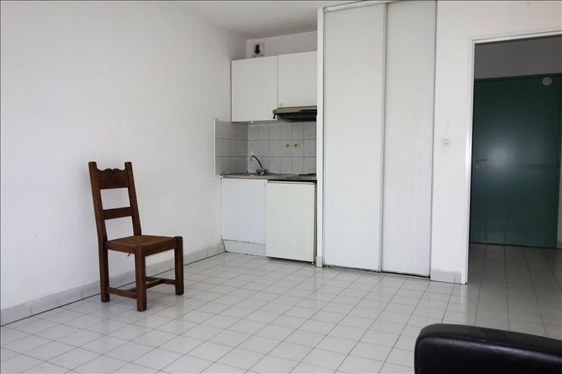 Locação apartamento Toulon 370€ CC - Fotografia 2