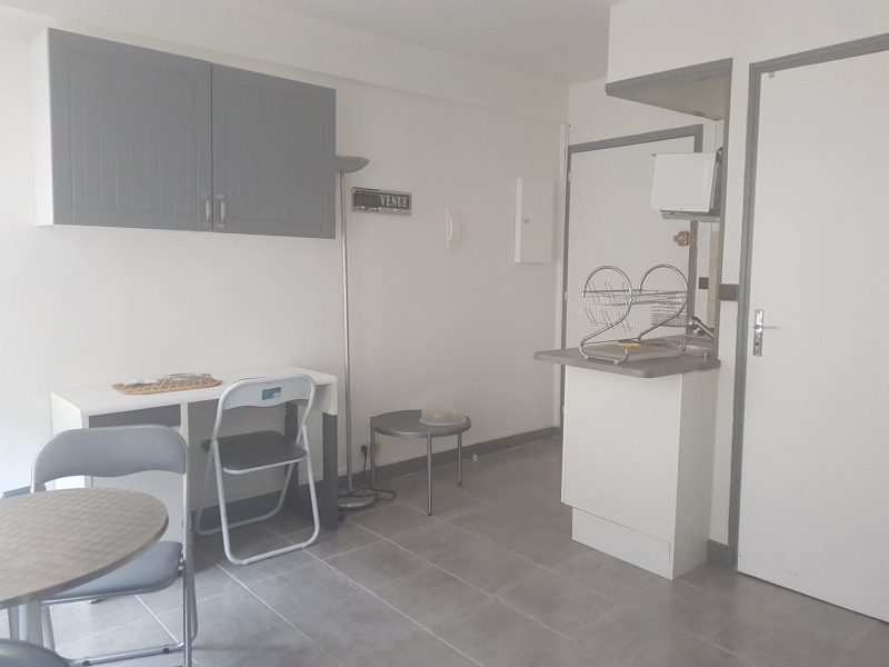 Rental apartment Melun 544€ CC - Picture 1