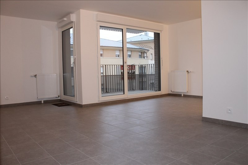 Rental apartment Osny 945€ CC - Picture 1