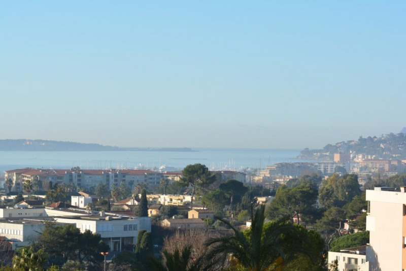 Sale apartment Antibes 215 000€ - Picture 1