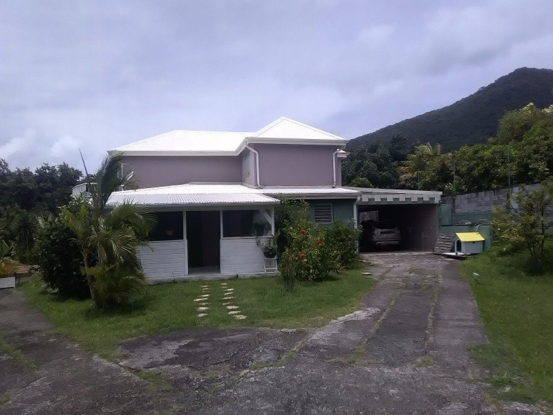 Investment property house / villa Trois rivieres 390000€ - Picture 3