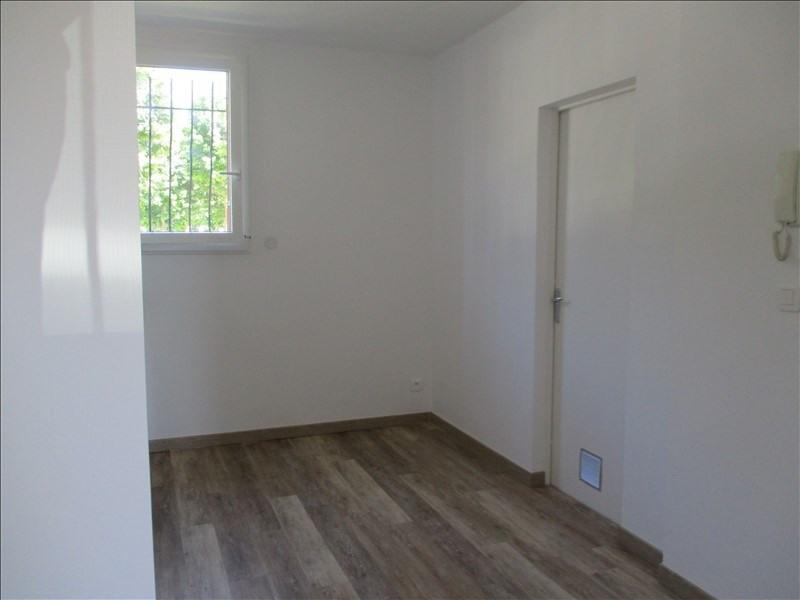 Rental apartment Salon de provence 590€ CC - Picture 8