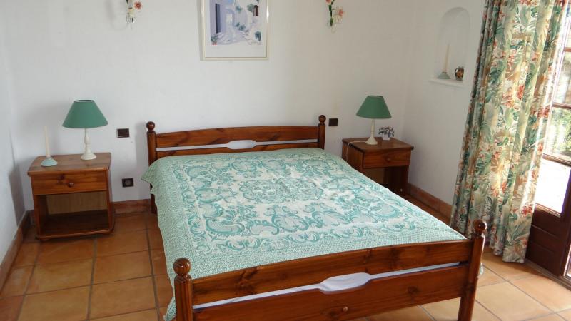 Location vacances appartement Cavalaire 900€ - Photo 11