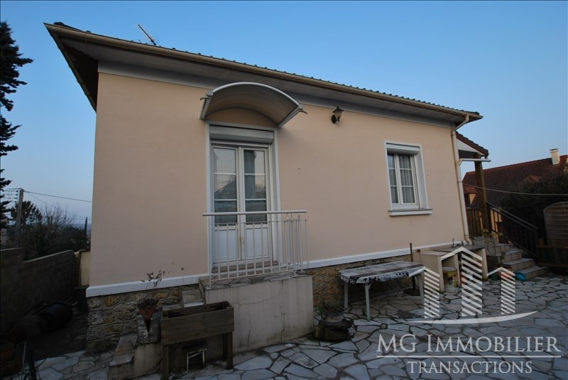 Sale house / villa Montfermeil 240 000€ - Picture 1