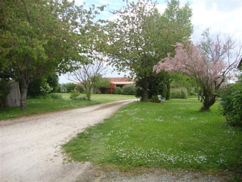 Sale house / villa Saint-jean-d'angély 190800€ - Picture 5