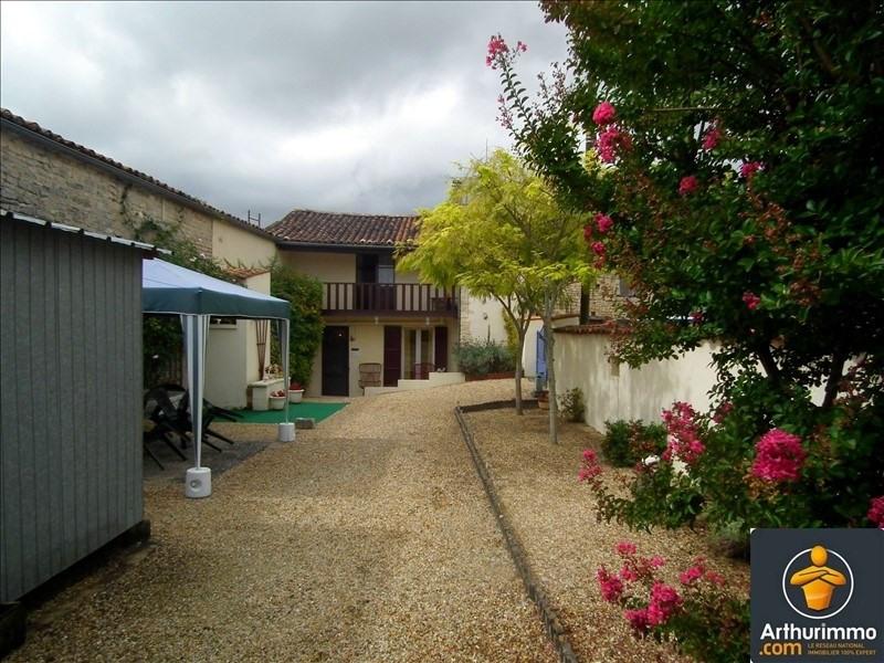 Sale house / villa Matha 56916€ - Picture 1
