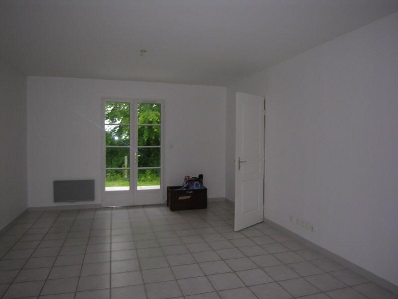 Location maison / villa Prignac et marcamps 708€ CC - Photo 13