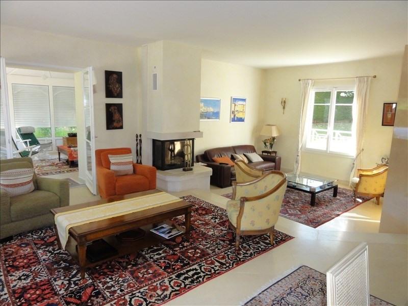 Deluxe sale house / villa Montfort l amaury 884000€ - Picture 2