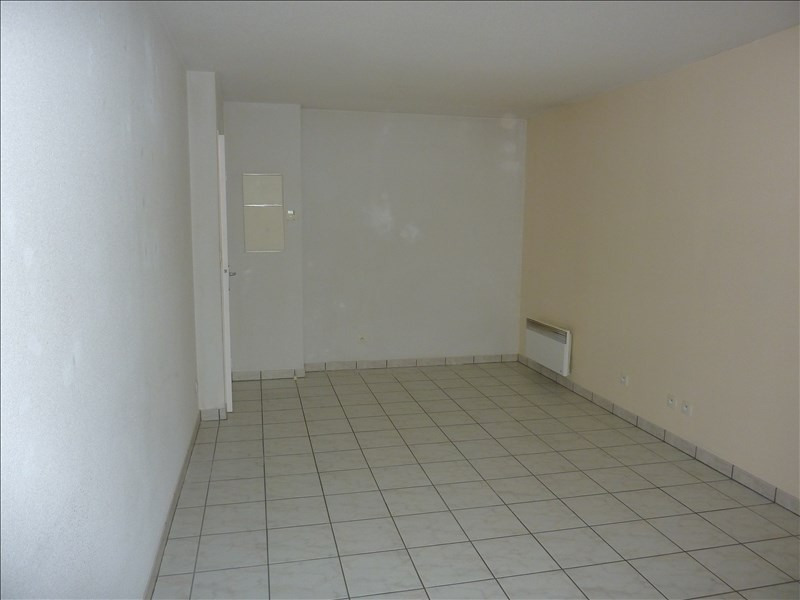 Rental apartment Vendome 310€ CC - Picture 4