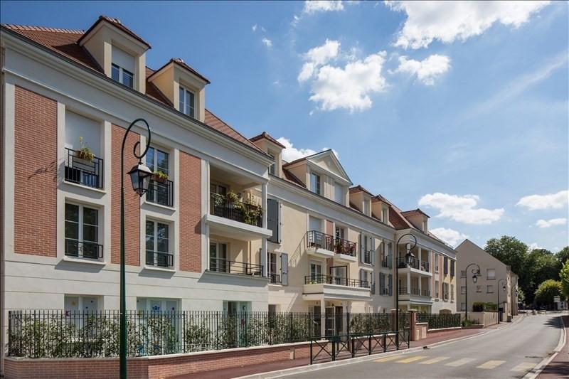 Location appartement Plaisir 820€ CC - Photo 1