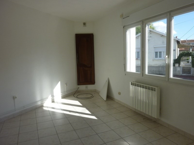 Sale building Saintes 155 500€ - Picture 2