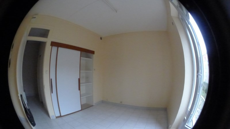 Location appartement Oullins 505€ CC - Photo 2