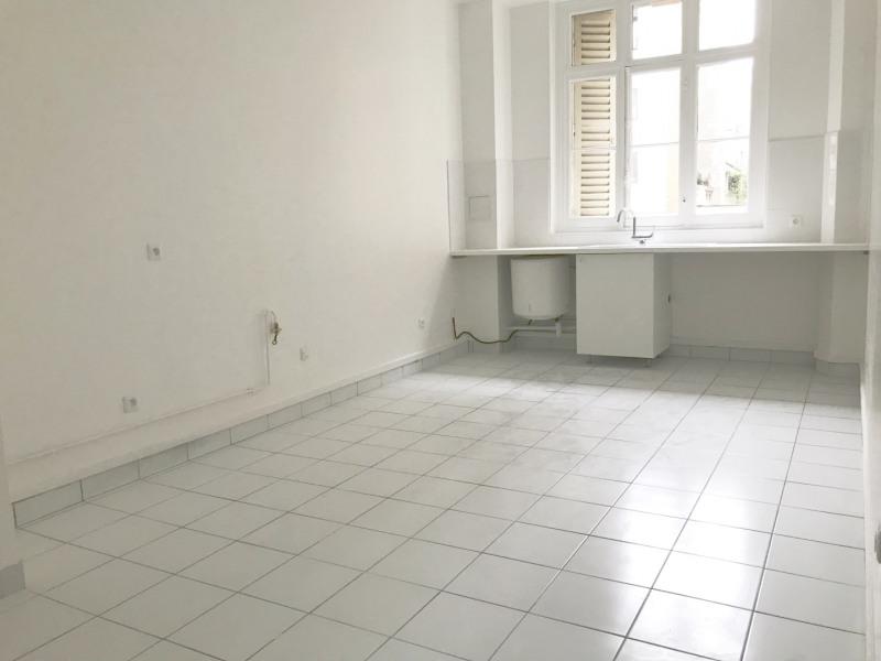 Rental apartment Paris 6ème 6381€ CC - Picture 3