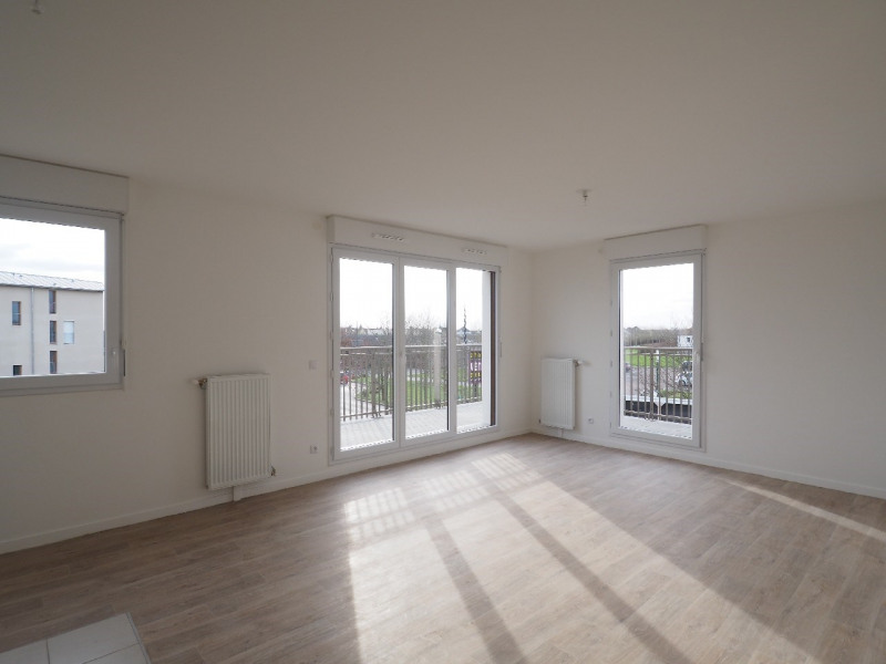 Rental apartment Vert saint denis 890€ CC - Picture 1