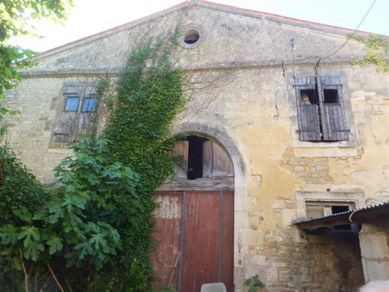 Sale house / villa St jean d angely 166 162€ - Picture 4