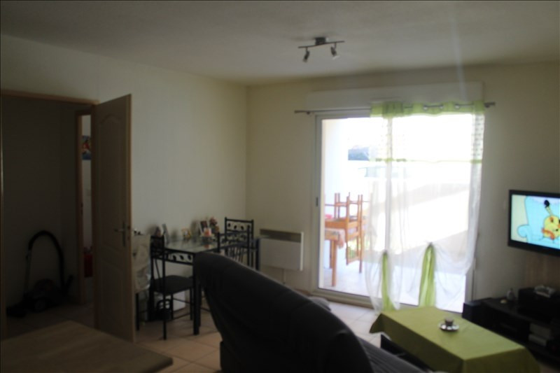 Sale apartment Beziers 88000€ - Picture 2