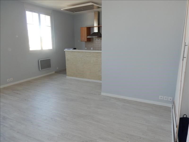 Sale apartment Melun 111 000€ - Picture 1
