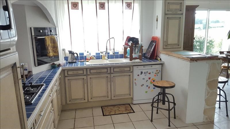 Sale house / villa Foulayronnes 236 250€ - Picture 4