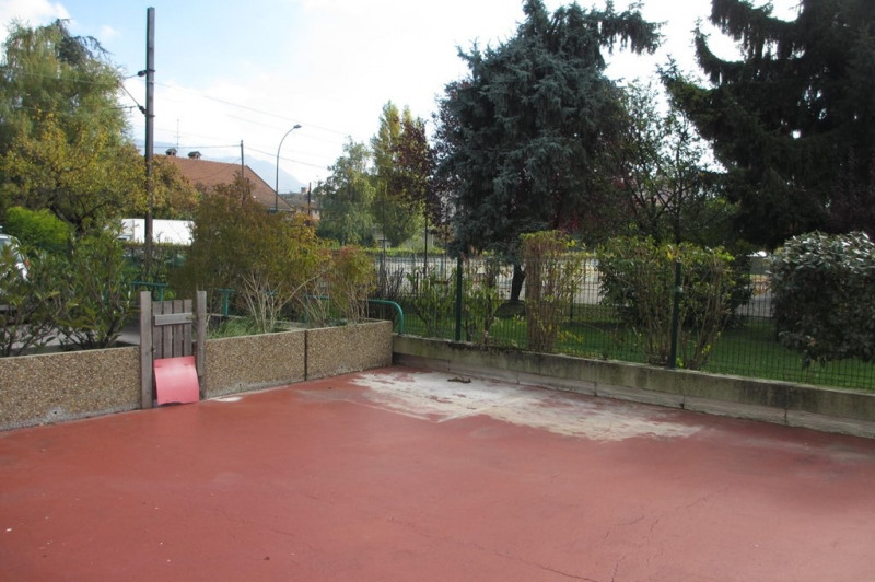 Location appartement Annecy 827€ CC - Photo 2