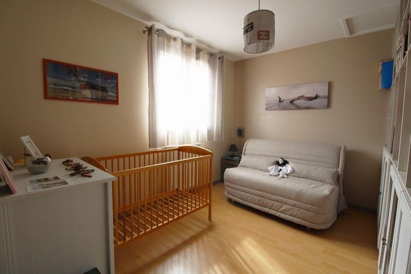 Sale house / villa Maurepas 367500€ - Picture 5